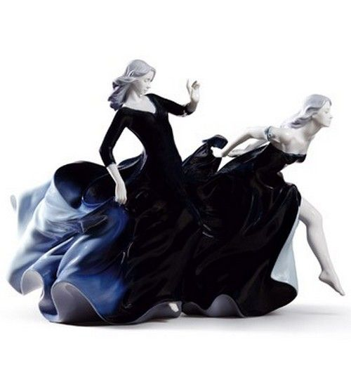 Lladro Figurines Night Approaches (Limited Edition)